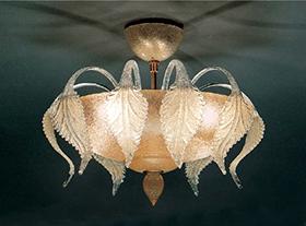 Люстры и светильники (фотография1)