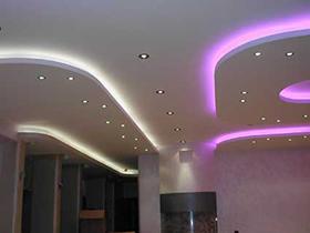 Подсветка потолка светодиодной лентой (изображение)